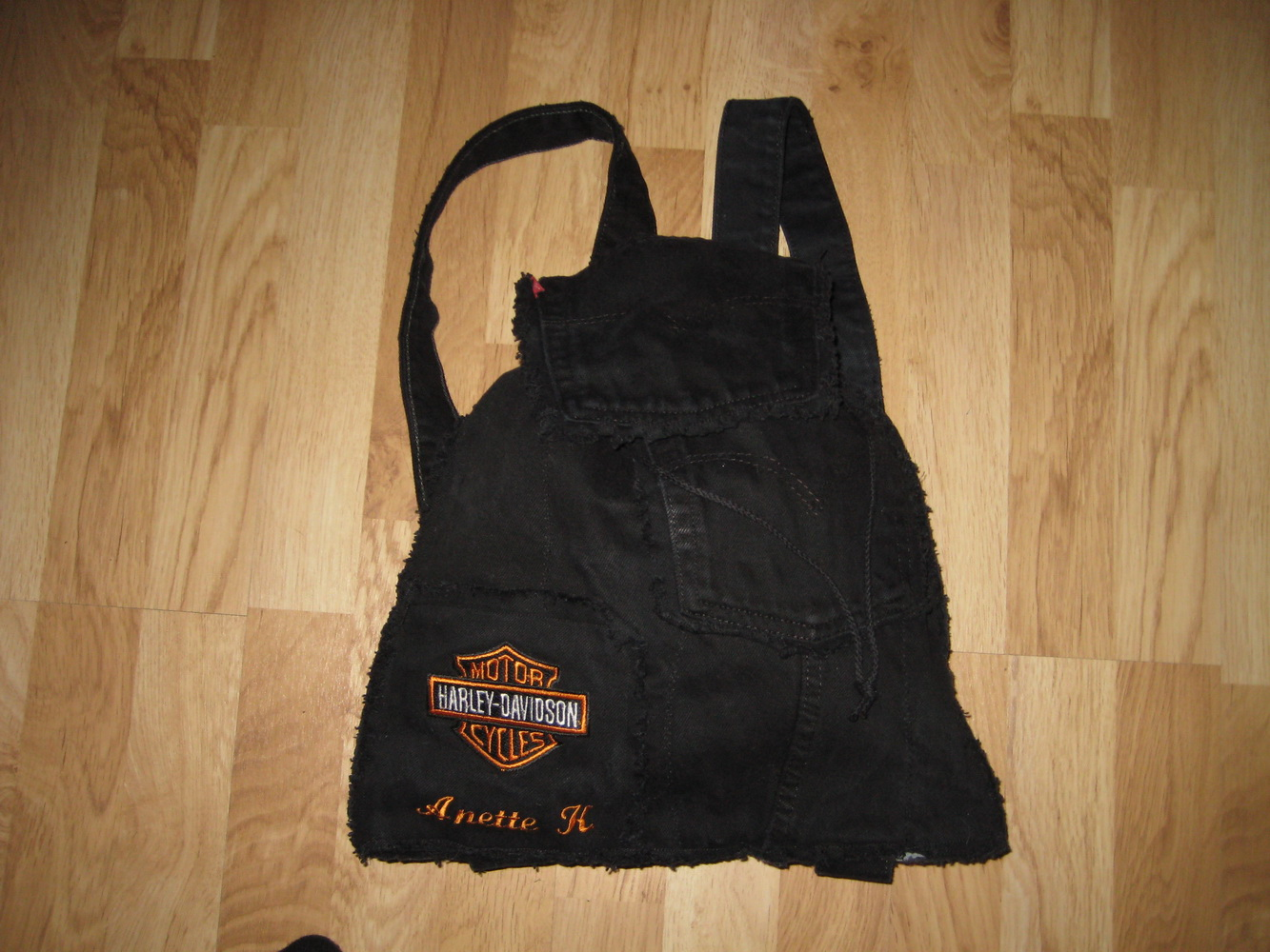 Harley Davidson logo on bag