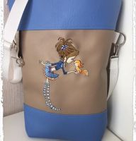 Girl and squirrel design on bag1