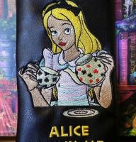 Tea time with Alice design on bag1