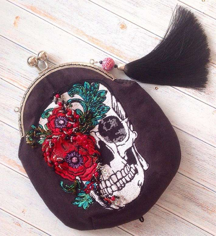 Fashion bag with flower skull design