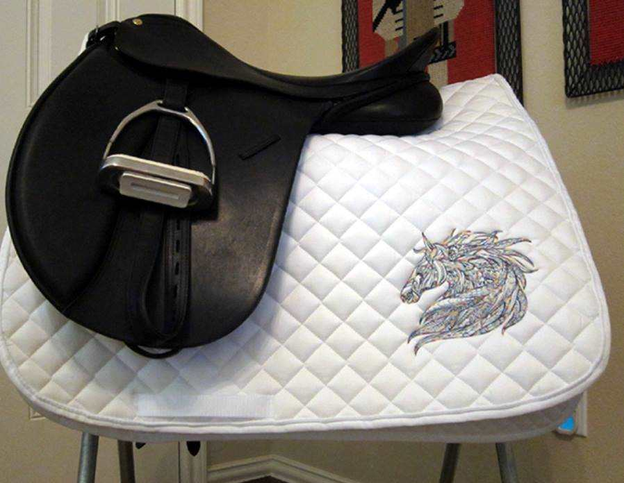 Embroidered accessories for equestrian sport