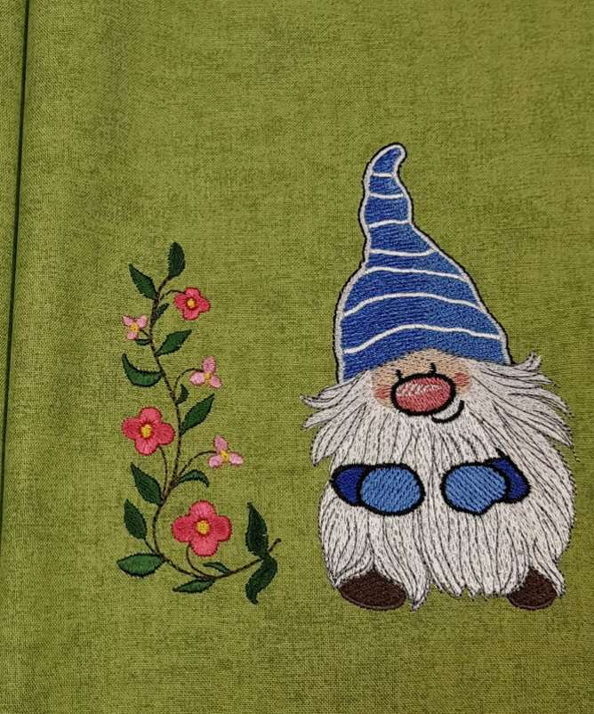 Christmas Dwarf machine embroidery design