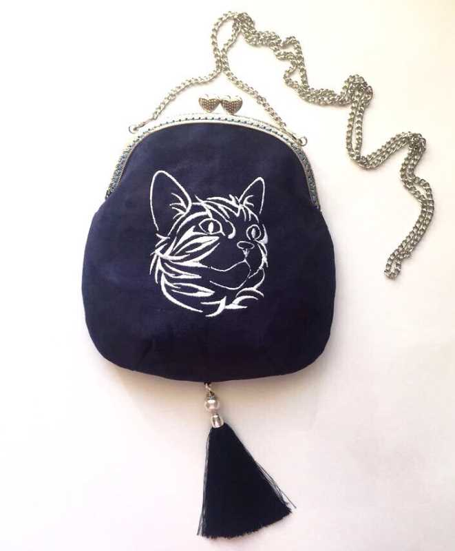 Fashion embroidered bag with tribal cat design
