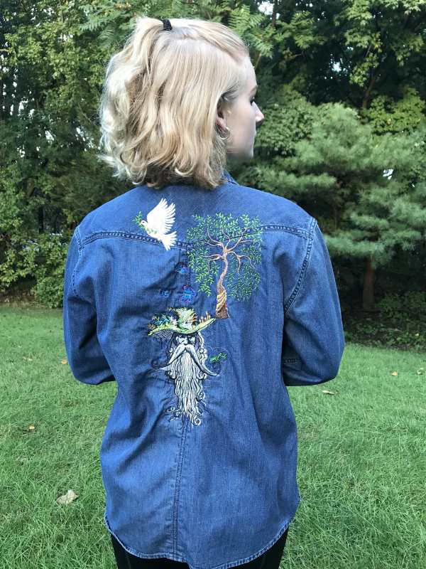 Jacket with embroidery for lady