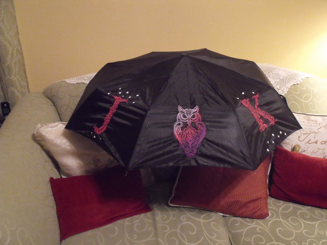 Stylish embroidered umbrella with owl
