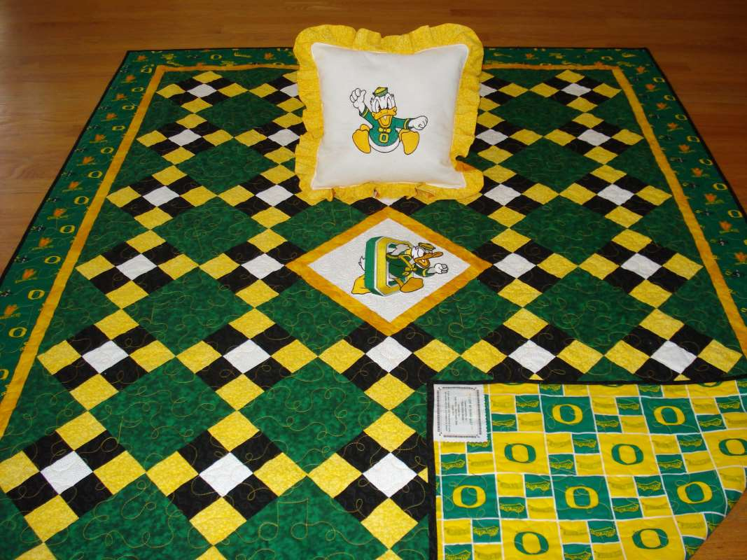 Quilt with Oregon Ducks logo embroidery designs