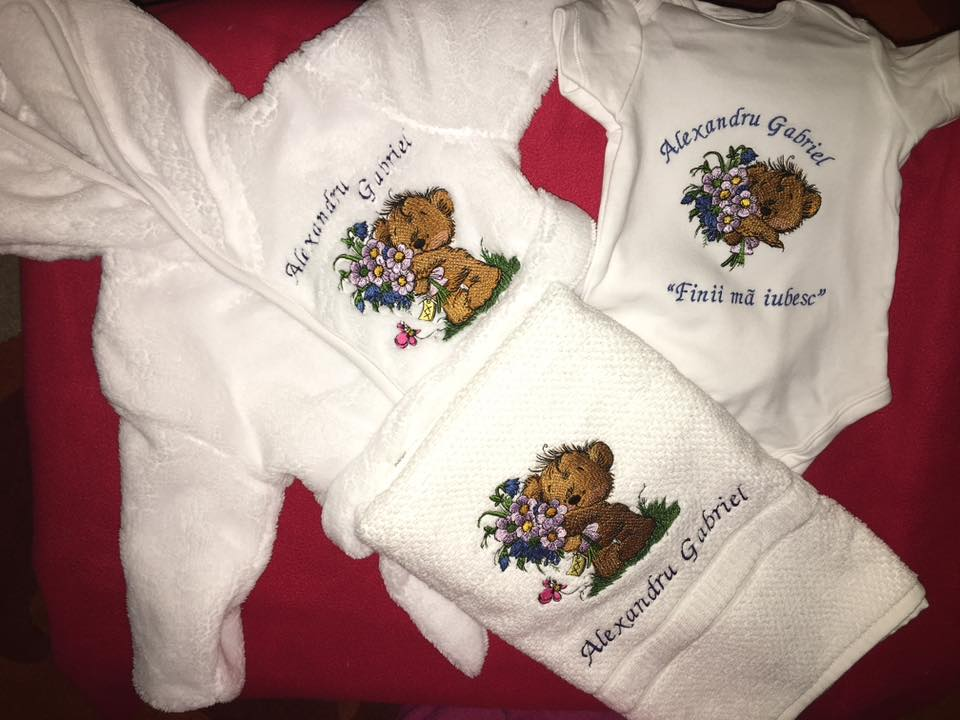 Newborn gift set with Teddy Bear embroidery