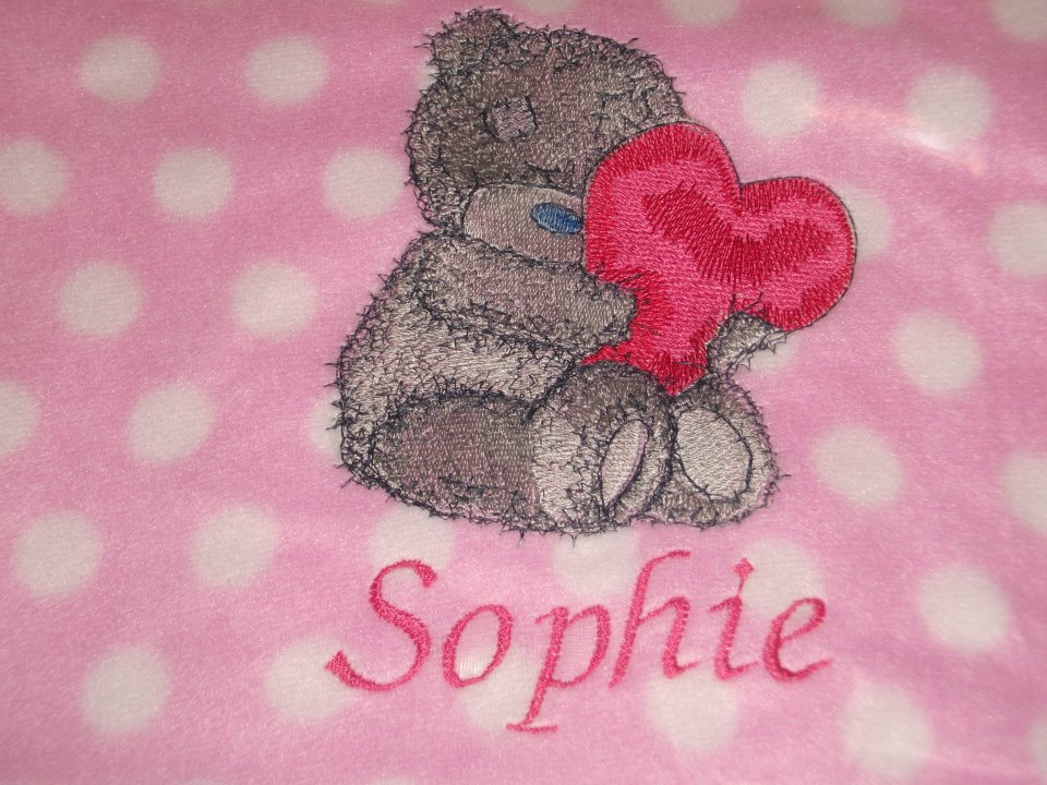 Embroidered Teddy with heart.design