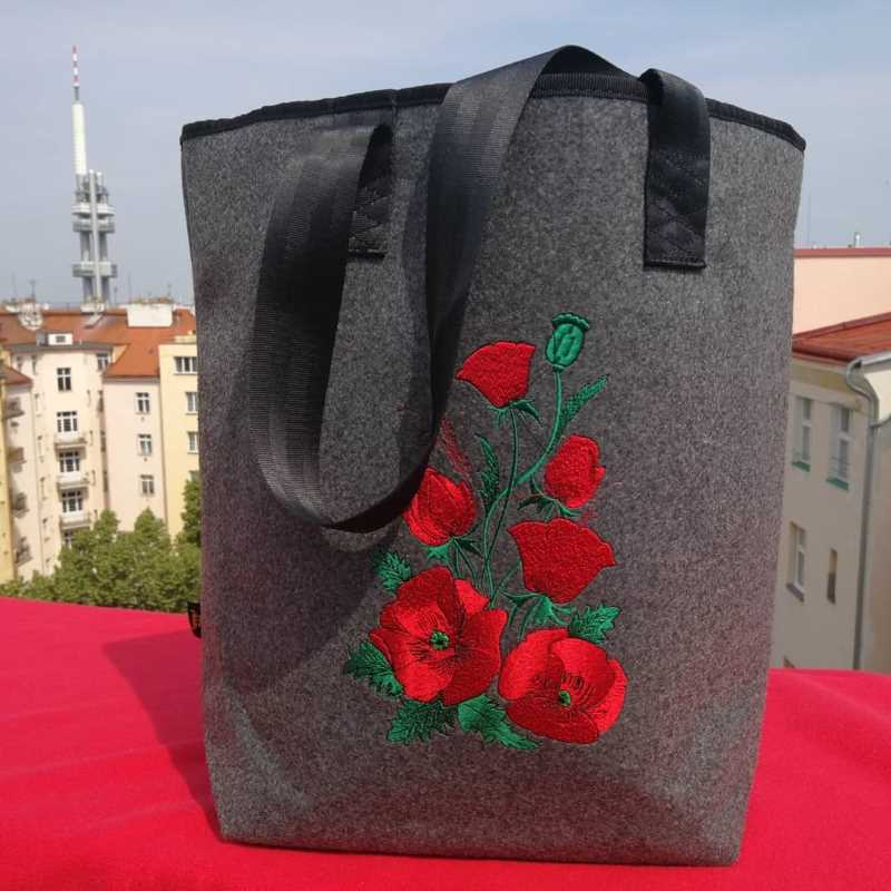 Bag with Poppies free embroidery design