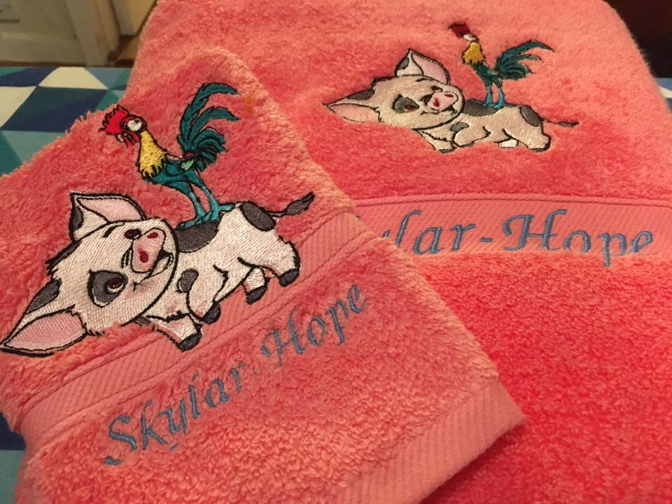 Towels with Pua and Heihei embroidery design