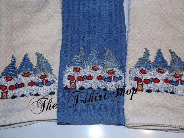 Christmas towels with embroidery design