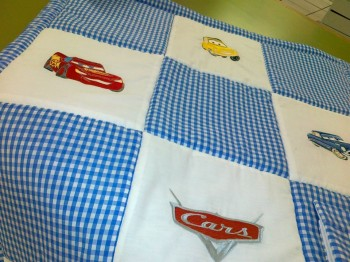 Embroidered blanket with Cars heroes