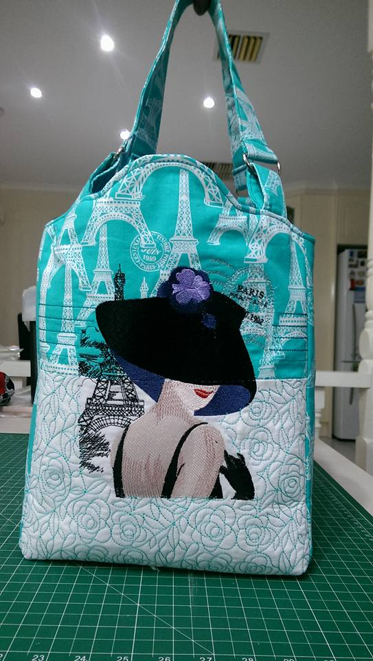 Summer bag embroidered with French coquette design
