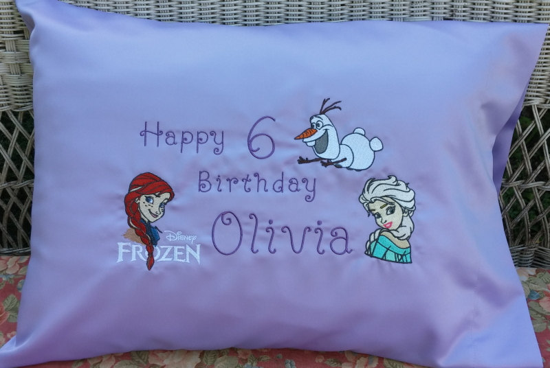 Embroidered pillowcase with Olaf, Elsa and Anna