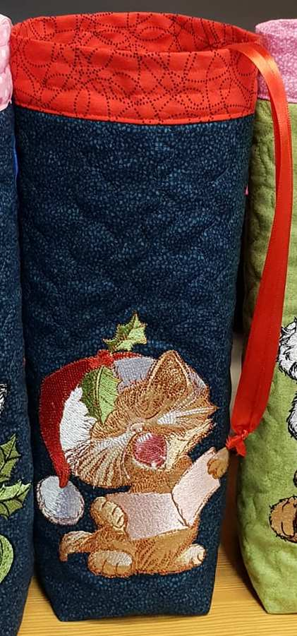 Christmas embroidered bag cat sing design