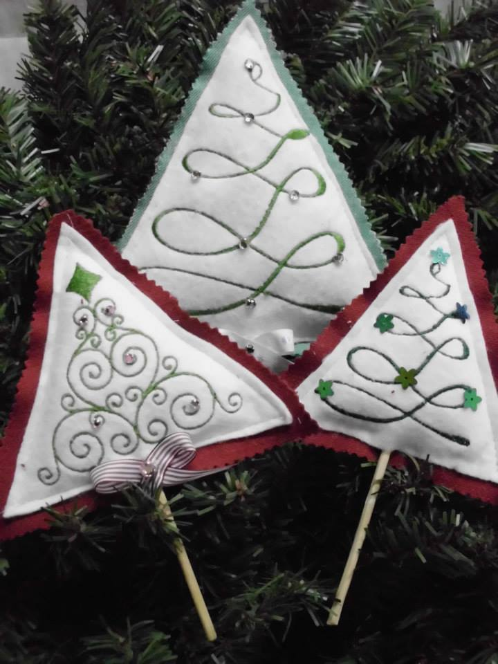 Christmas tree embroidered design
