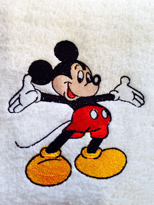 Mickey Mouse Welcome design on towel2