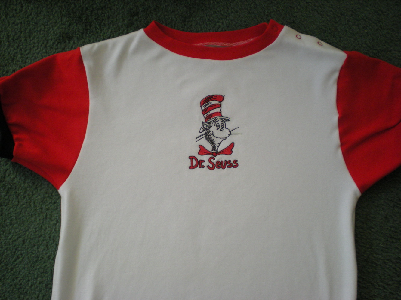 Dr Seuss cat in the hat design on t-shirt embroidered