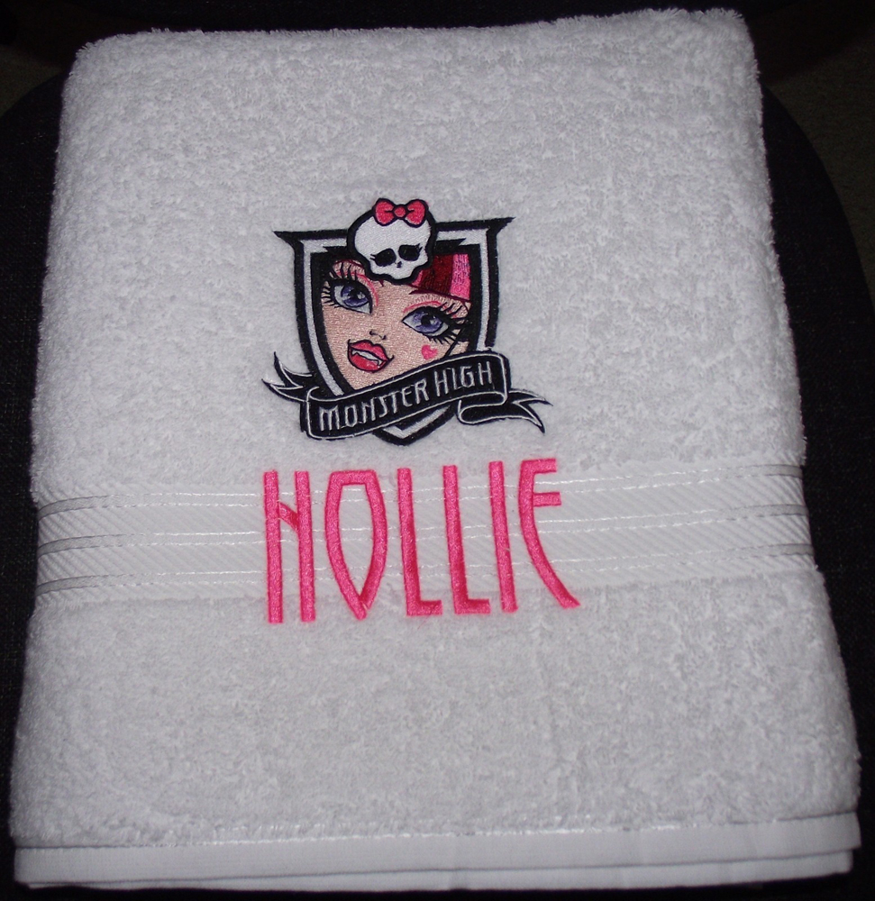Monster High Draculaura embroidery