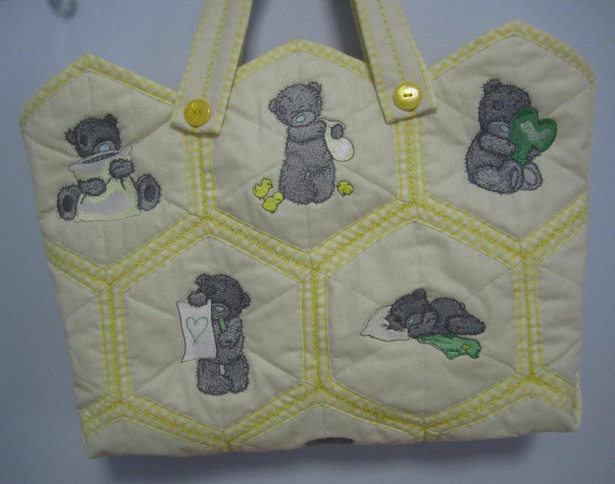 Embroidered nappy bag embroidered with blue nose bears