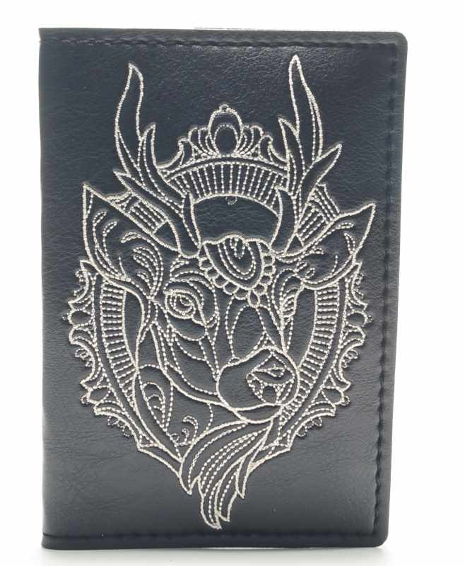 Leather wallet with embroidery design
