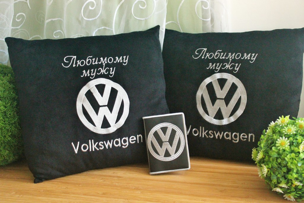 Volkswagen logo embroidered on pillowcase and cover