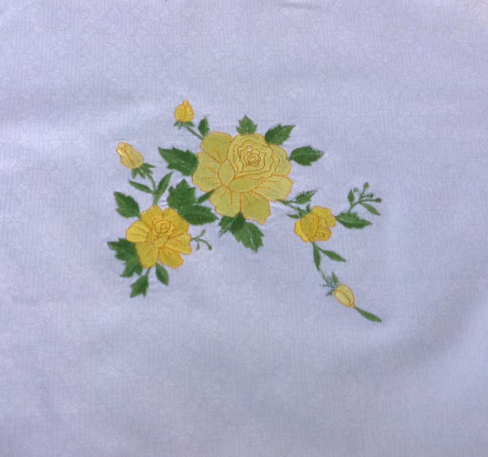 Yellow roses design on towel1