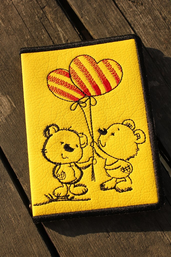Embroidered cover Teddy bear with balloons design