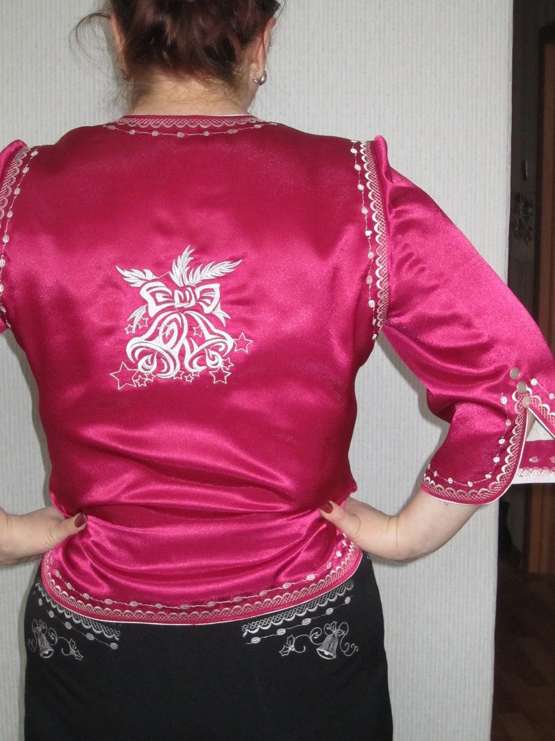 Embroidered jacket with Christmas free design