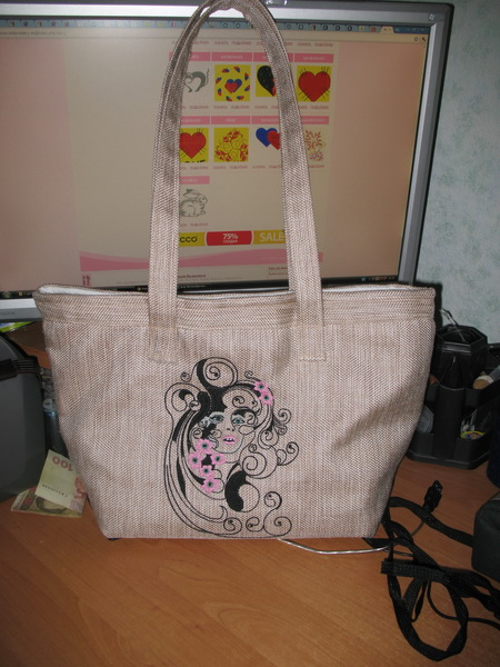 Tote bag with free Spring machine embroidery design