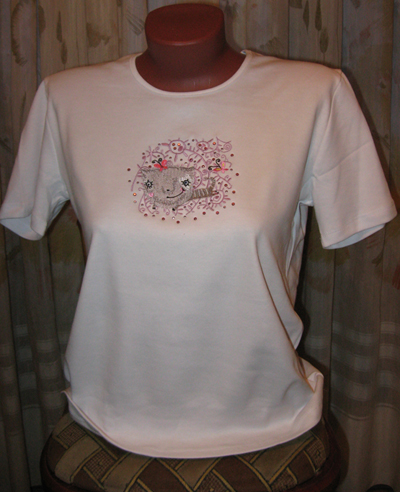Flying cat  embroidered on shirt free design