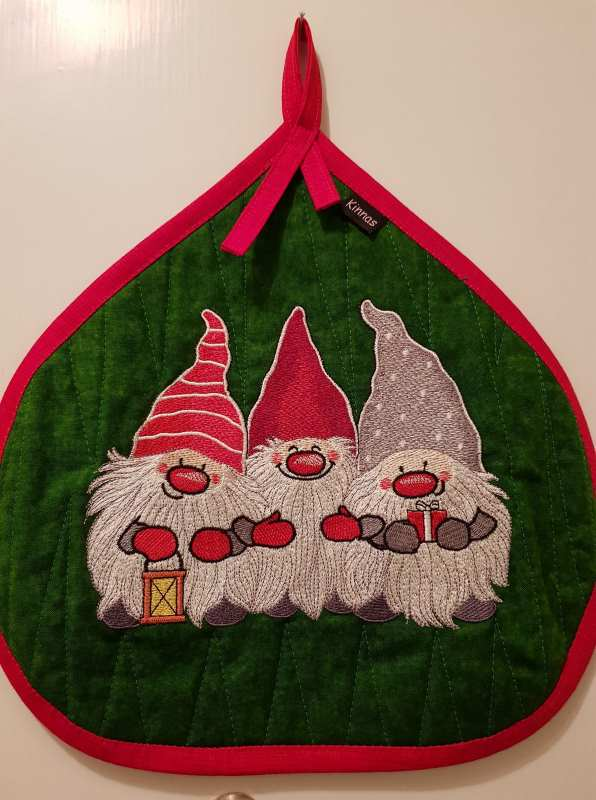 Potholder with Christmas Dwarves embroidery design