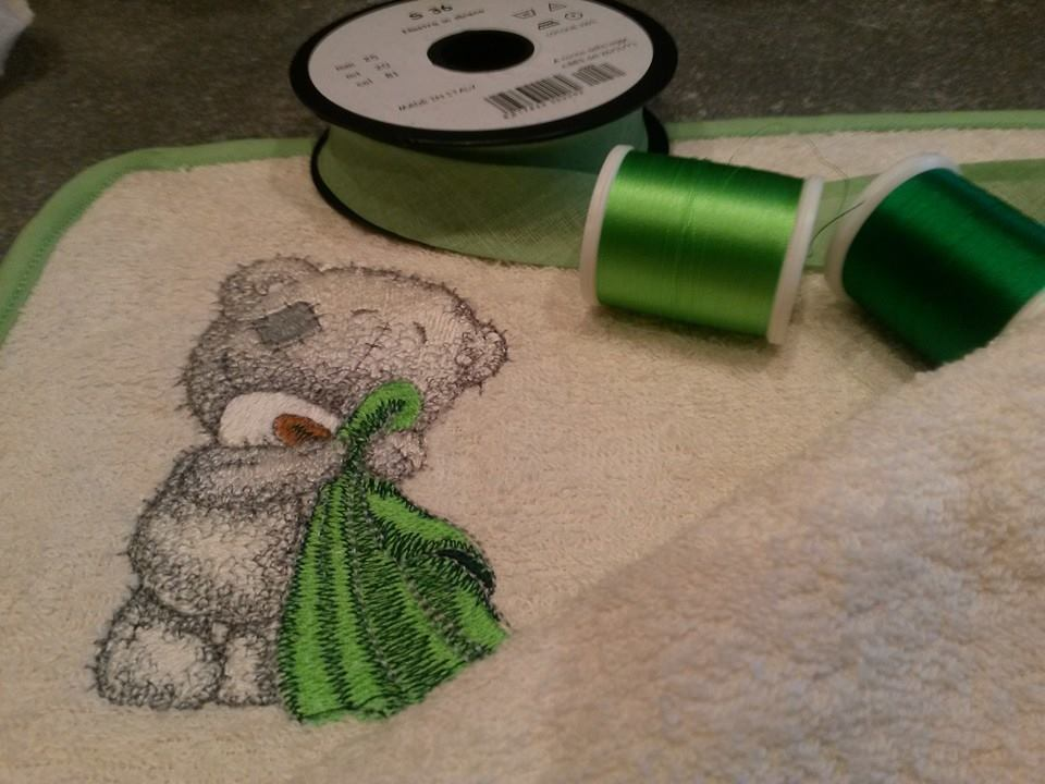 Bath towel embroidered with tatty teddy with towel