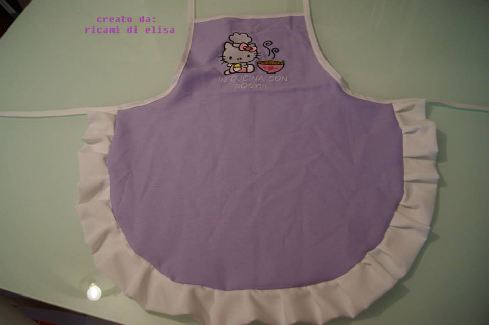 Embroidered apron with Hello Kitty