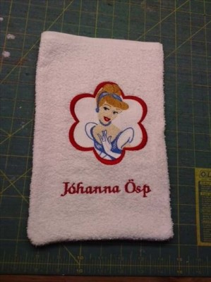 Pink towel embroidred with Cinderella