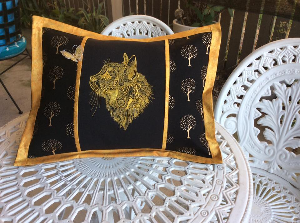 Cushion with Fancy cat embroidery design