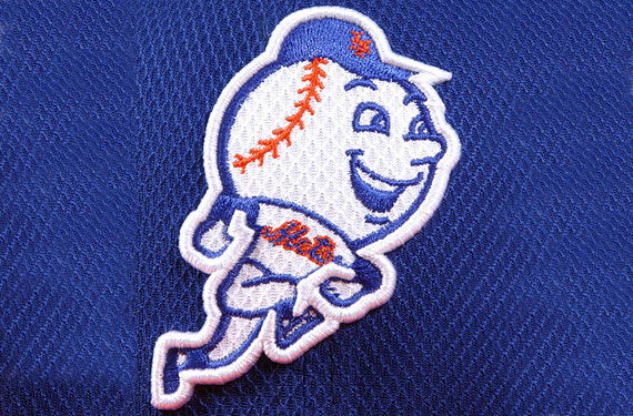 New York Mets logo  design embroidered