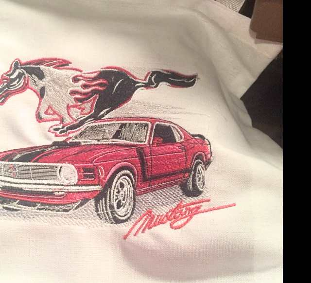 Mustang auto embroidery design