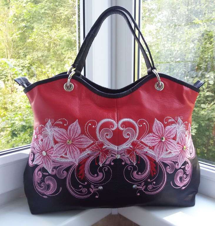 Fashion embroidered leather bag