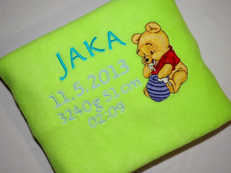 Towel with Babypooh and honey pot embroidery