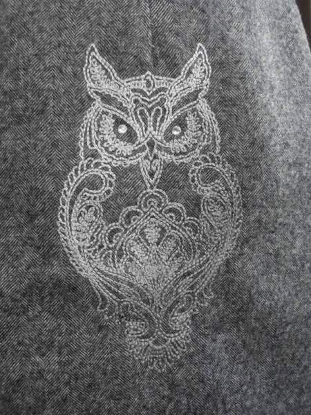 Skirt embroidered with owl design