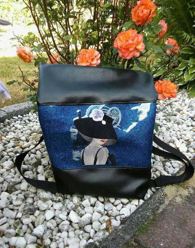 Fashion bag with romantic meet design