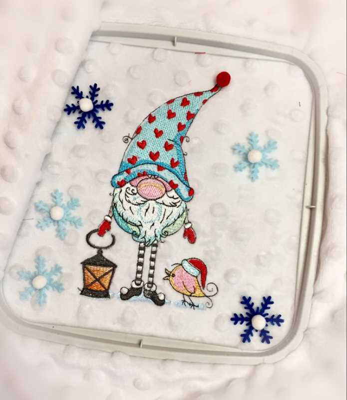 In hoop Christmas gift with Gnome design