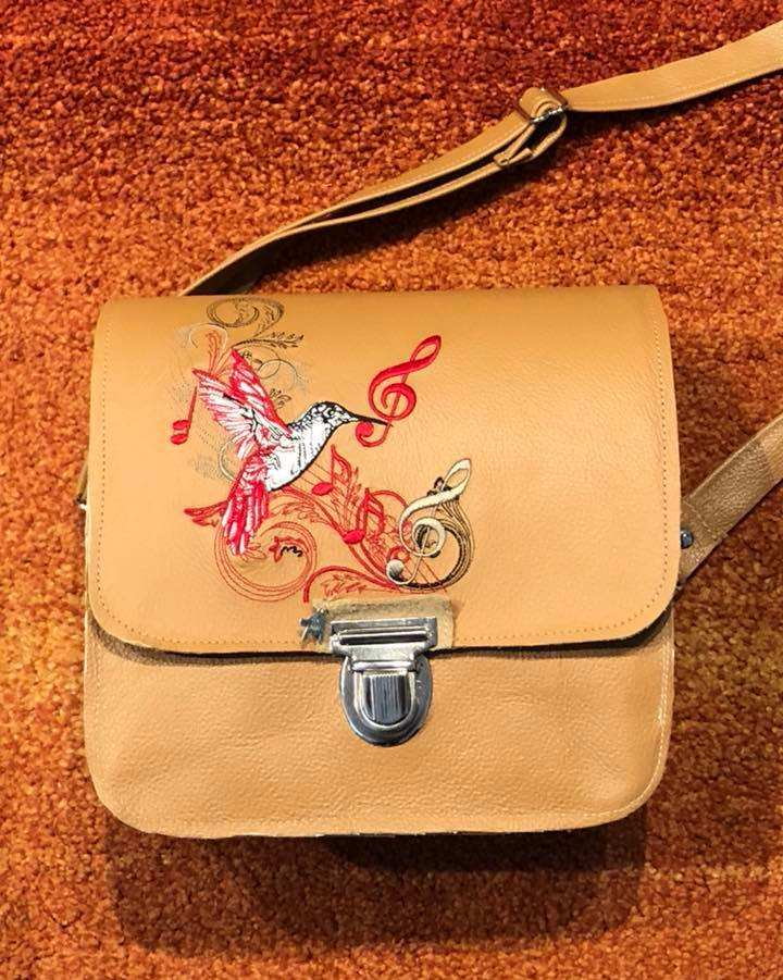 Leather woman bag with Musical humming bird embroidery