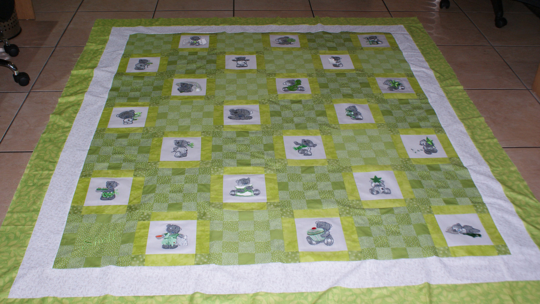 Blanket embroidered with tatty teddy designs