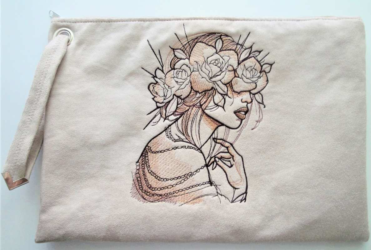 Embroidered small bag with wreath roses design