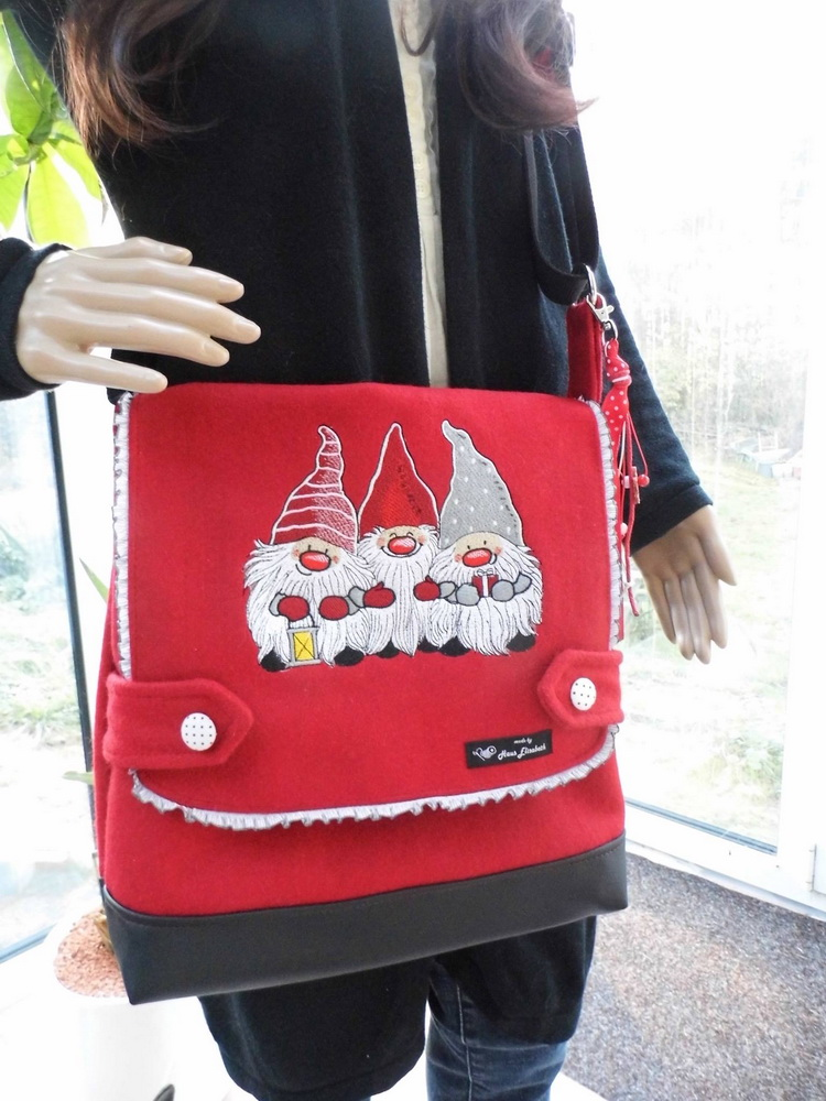 Christmas dwarves embroidered bag