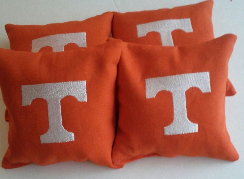 Tennessee Volunteers Logo embroidery design on pillowcase