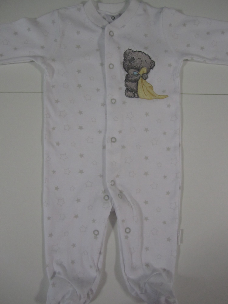 Baby wear with embroidered blue nose teddy bear on it