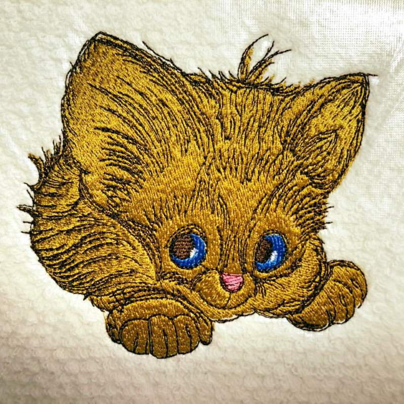 Small kitty embroidery design
